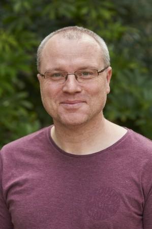 Piotr Kowalczyk  from Murdoch University in Perth Australia.